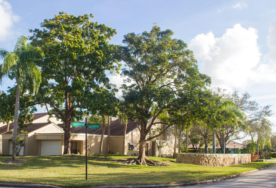 41 Balfour Road , Palm Beach Gardens FL 33418 is listed for sale as MLS Listing RX-10405873 21 photos