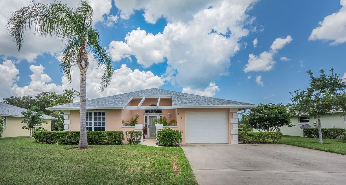 Single Family Home for Sale at 652 Lake Orchid Circle 652 Lake Orchid Circle Vero Beach, Florida 32962 United States