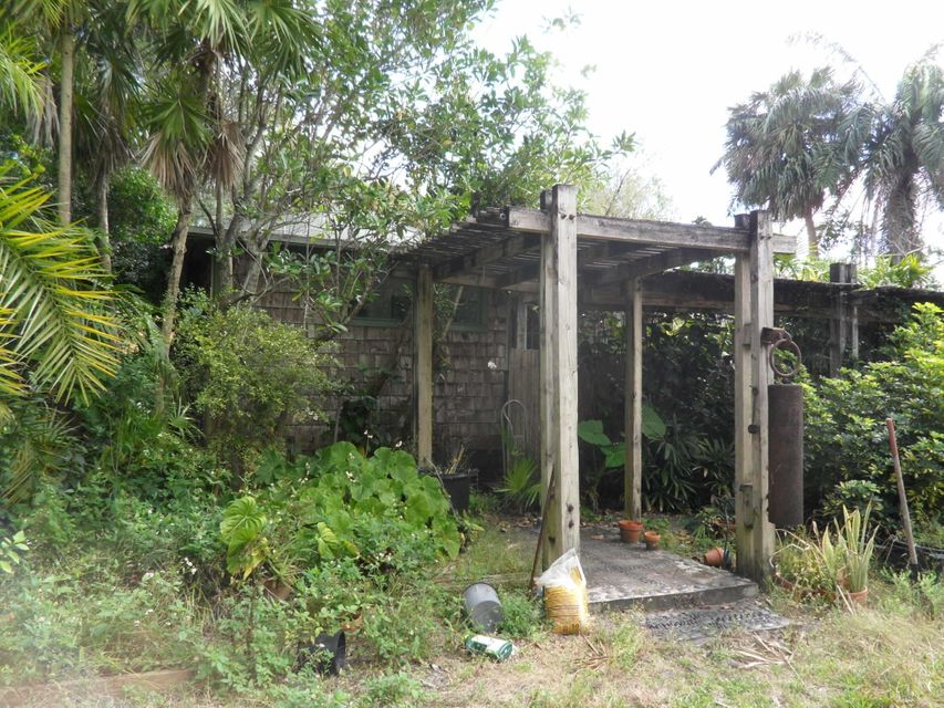 560 Bethany Lane West Palm Beach, FL 33415