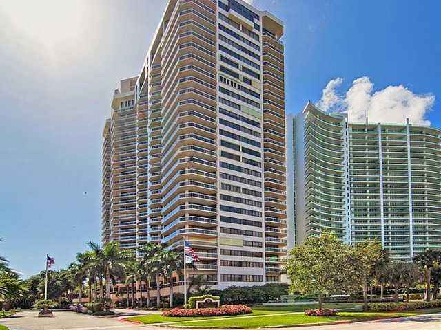 Condominium for Sale at 20185 E Country Club Drive # 208 20185 E Country Club Drive # 208 Aventura, Florida 33180 United States
