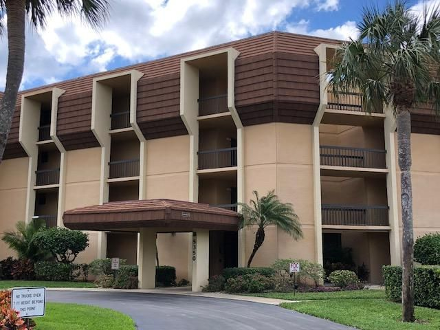 5350 Woodland Lakes Drive 410 , Palm Beach Gardens FL 33418 is listed for sale as MLS Listing RX-10405623 19 photos