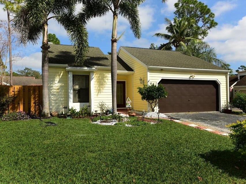 460 Oak Shadow Way  Wellington, FL 33414