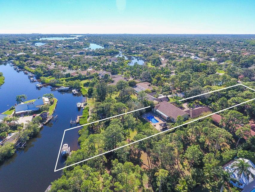 Single Family Home for Sale at 8571 SE Bristol Way 8571 SE Bristol Way Jupiter, Florida 33458 United States