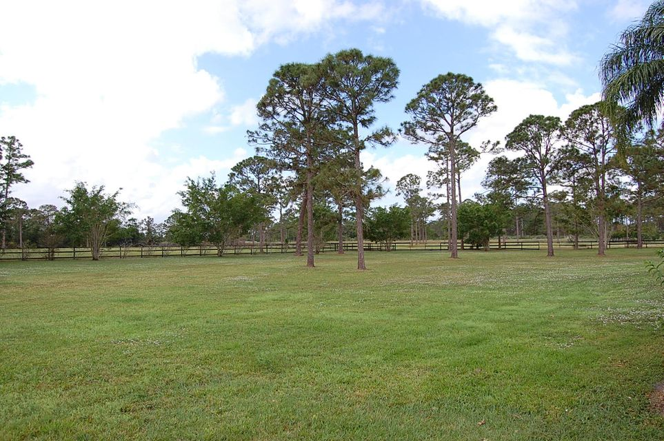 Частный односемейный дом для того Продажа на 1900 SE Ranch Road 1900 SE Ranch Road Jupiter, Флорида 33478 Соединенные Штаты
