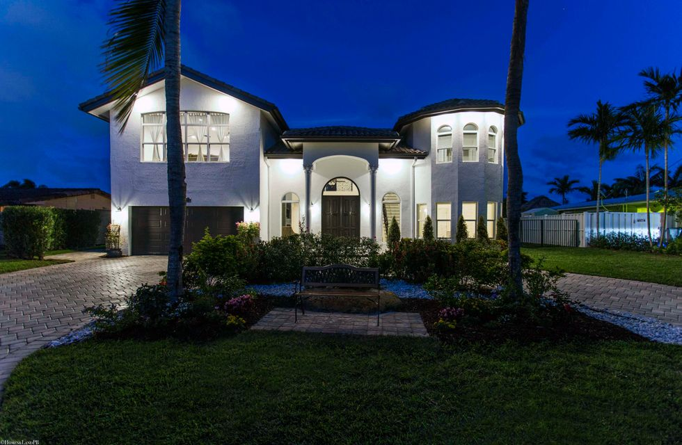 BOCA ISLANDS SEC 3 home on 1366 SW 4th Court