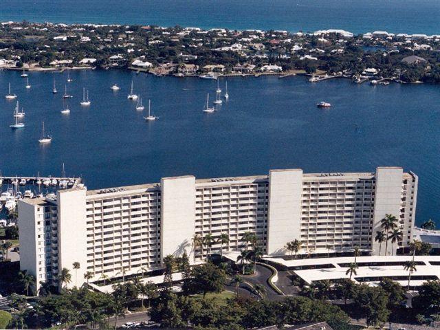 共管式独立产权公寓 为 销售 在 130 Lakeshore Drive # 523 130 Lakeshore Drive # 523 北棕榈滩, 佛罗里达州 33408 美国