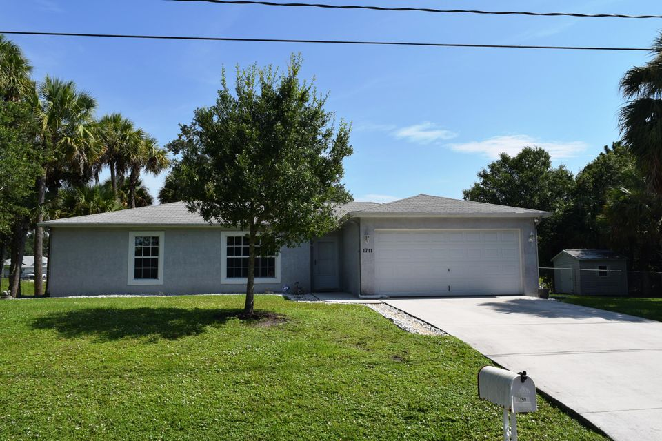 Single Family Home for Sale at 1711 SW Fortune Road 1711 SW Fortune Road Port St. Lucie, Florida 34953 United States