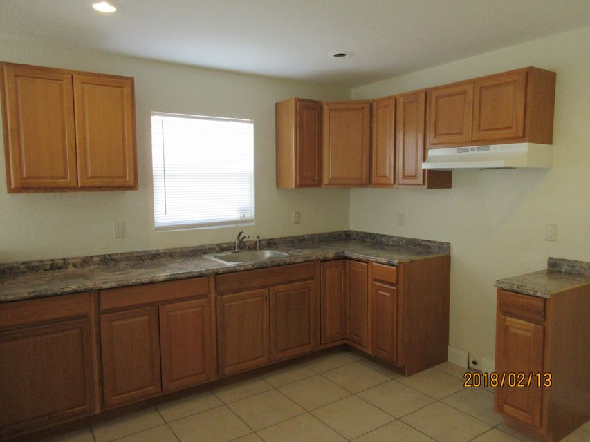 Additional photo for property listing at 720 W 6th Street 720 W 6th Street Riviera Beach, Florida 33404 United States