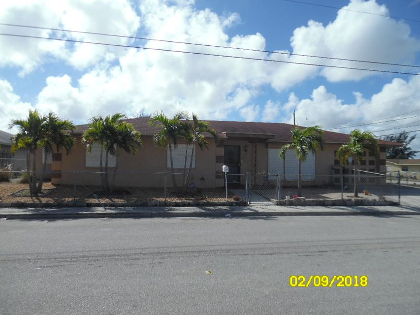 1585 W Ac Evans Street , Riviera Beach FL 33404 is listed for sale as MLS Listing RX-10405909 10 photos