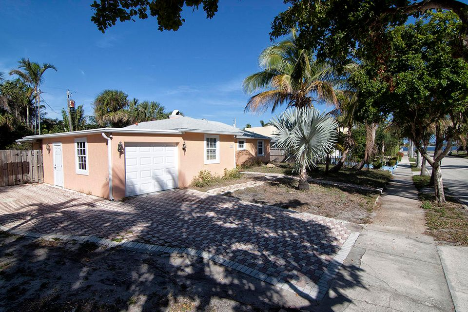 Single Family Home for Sale at 125 Beverly Road 125 Beverly Road West Palm Beach, Florida 33405 United States