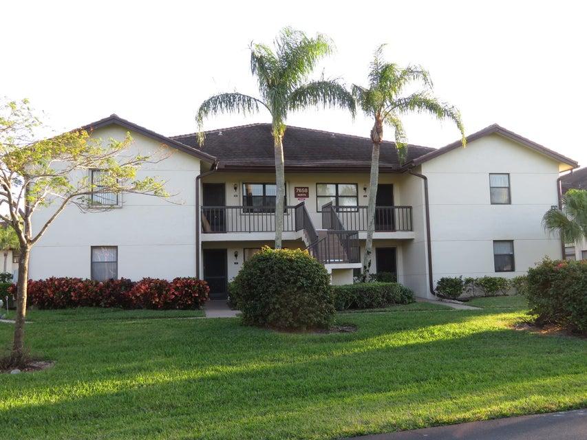7658 Tahiti Lane 203  Lake Worth FL 33467