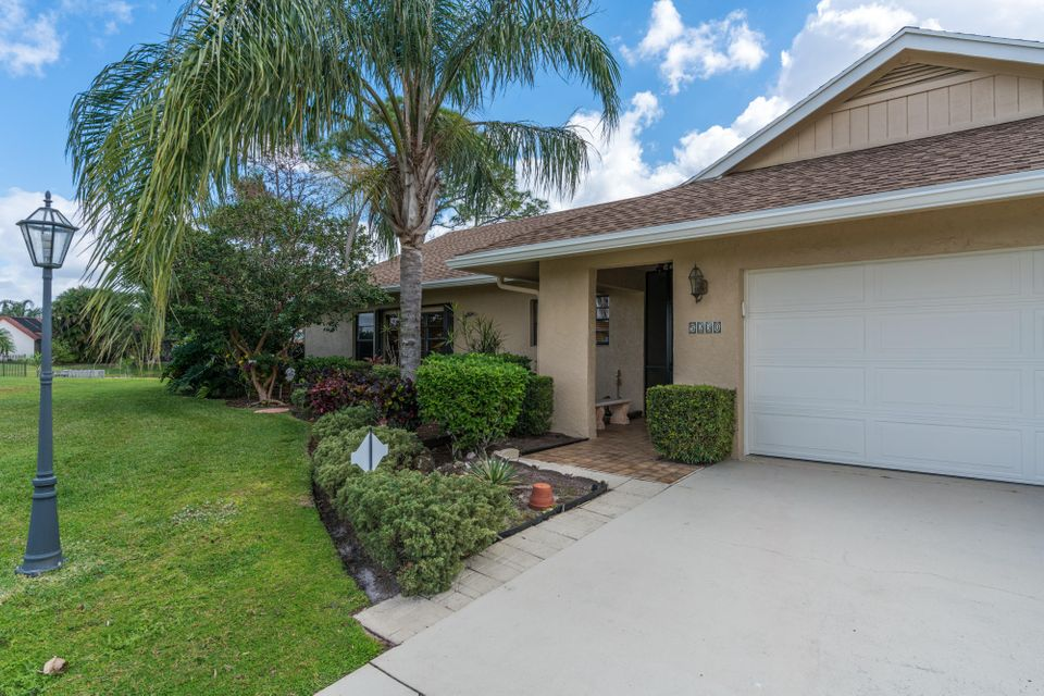 5230 Whitewood Cove  Lake Worth, FL 33467