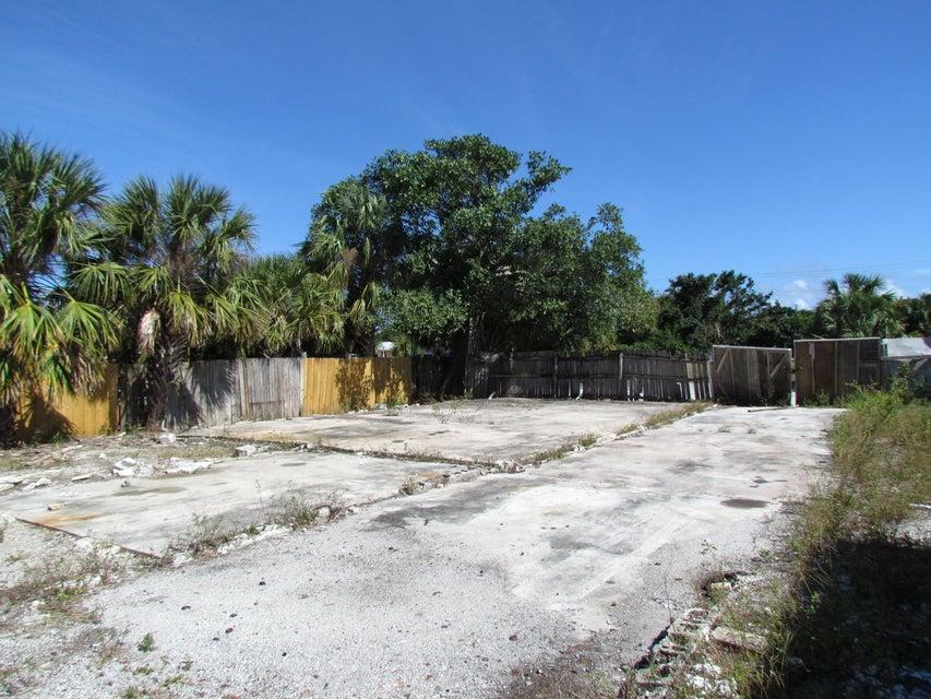 Photo of  Riviera Beach, FL 33404 MLS RX-10406033