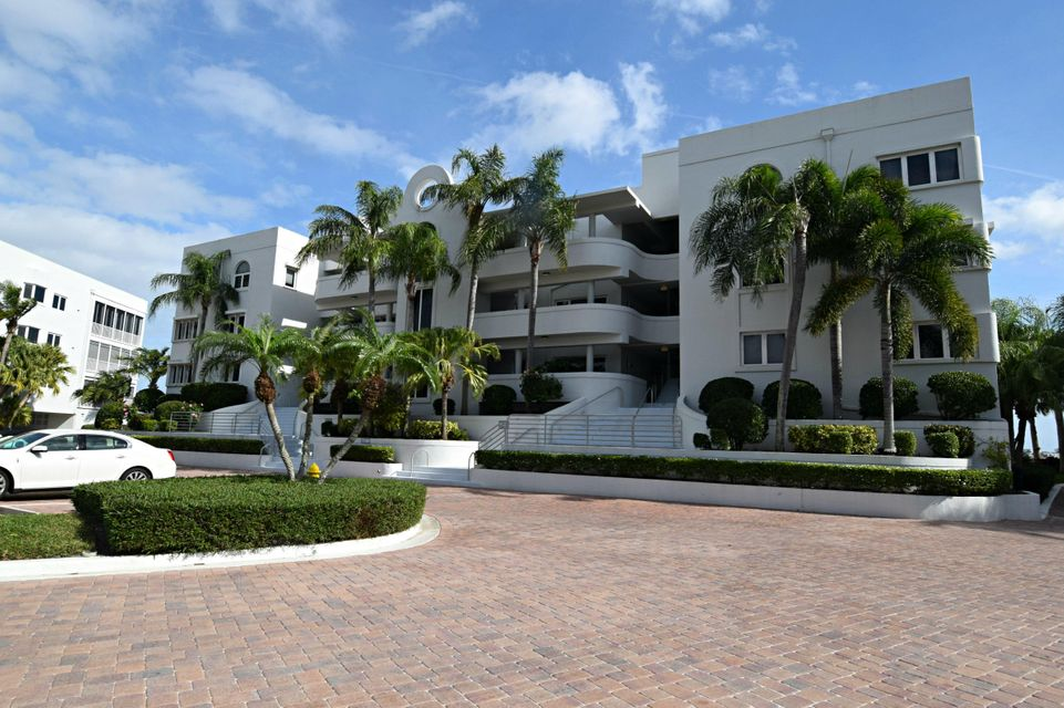 Condominium for Sale at 1140 SW Chapman Way # 409 1140 SW Chapman Way # 409 Palm City, Florida 34990 United States