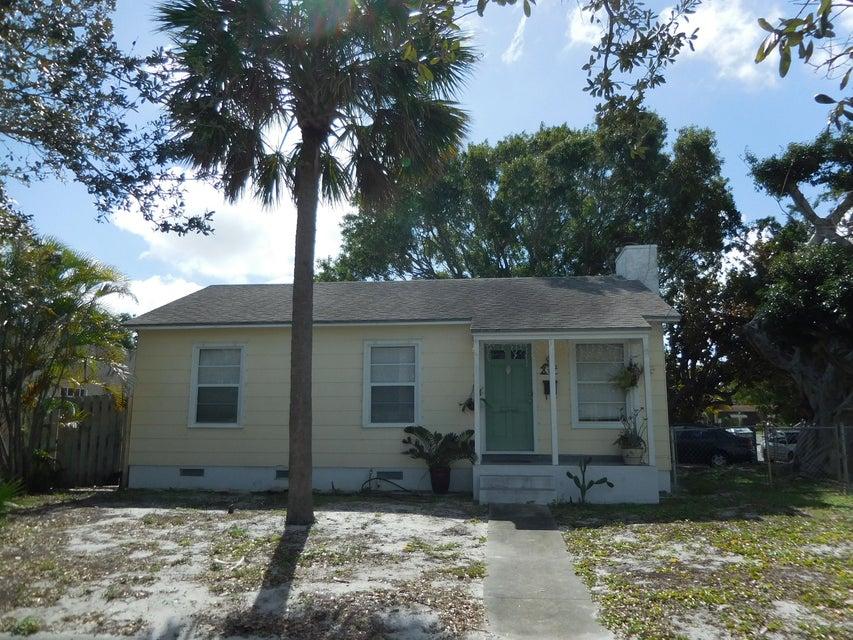 732 Macy Street  West Palm Beach, FL 33405