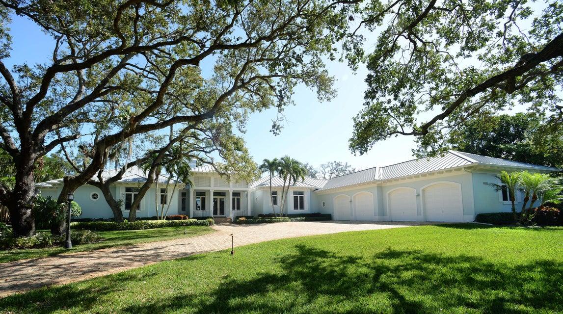 独户住宅 为 销售 在 13124 Flamingo Terrace 13124 Flamingo Terrace 棕榈滩花园, 佛罗里达州 33410 美国