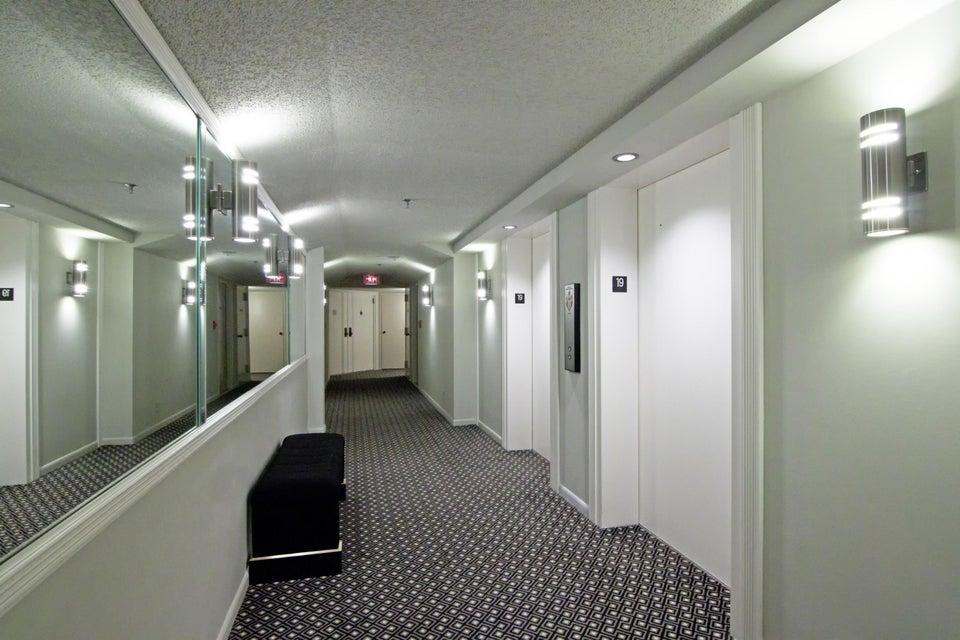 1900 Consulate Place 1004 West Palm Beach, FL 33401 photo 42