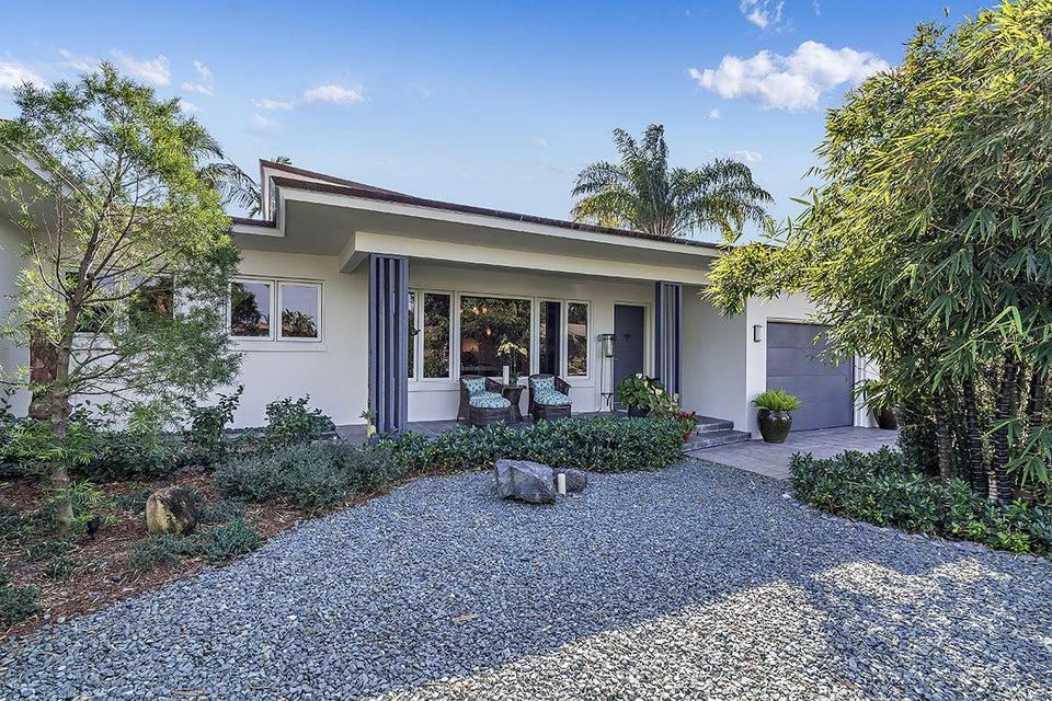 Single Family Home for Sale at 157 Bryn Mawr Drive 157 Bryn Mawr Drive Lake Worth, Florida 33460 United States