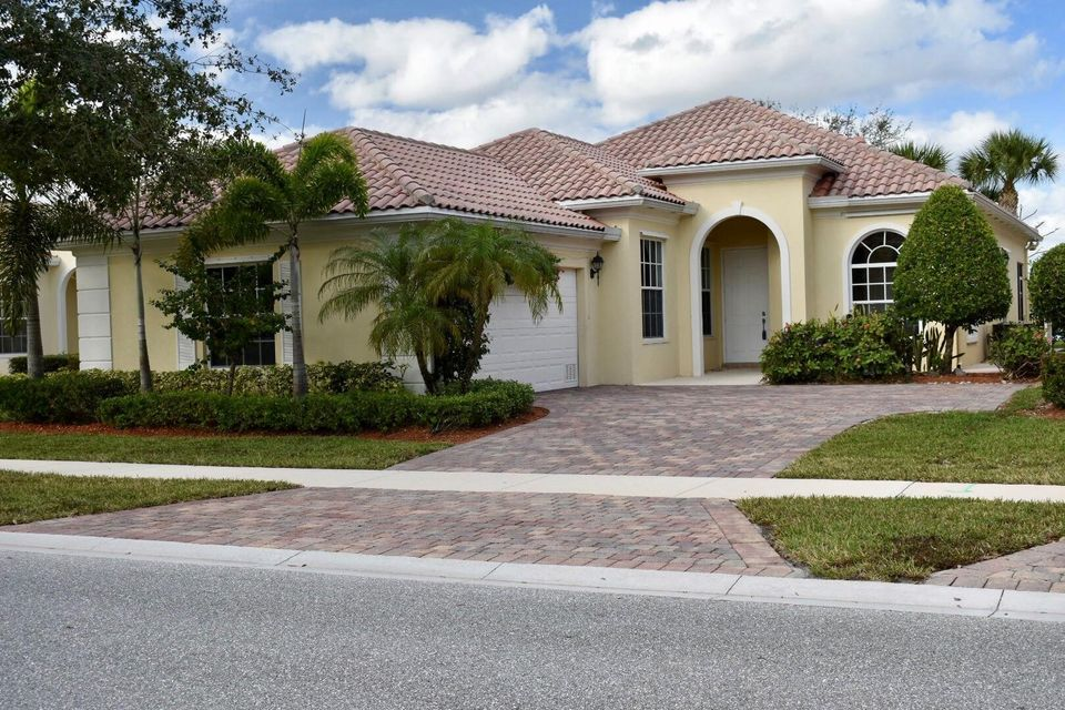 8273 Pine Cay Road  Wellington FL 33414