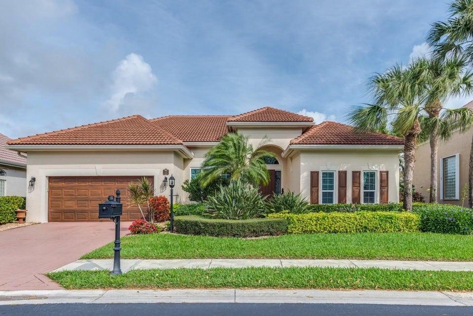 135 Satinwood Lane  Palm Beach Gardens FL 33410