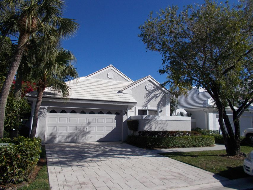 21 Selby Lane , Palm Beach Gardens FL 33418 is listed for sale as MLS Listing RX-10407176 1 photos