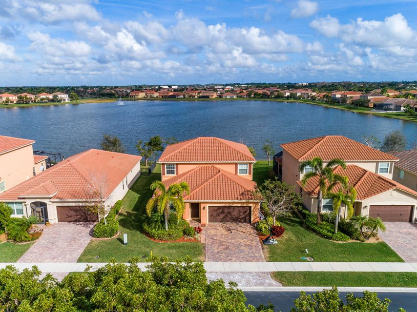 Home for sale in Oakmond Estates Wellington Florida