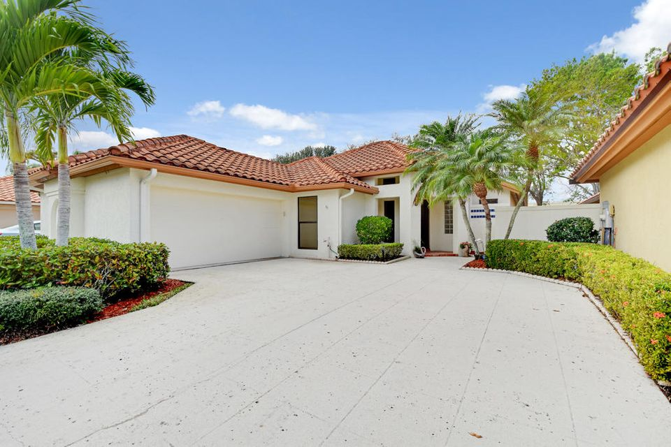 Single Family Home for Sale at 2736 SW Mariposa Circle 2736 SW Mariposa Circle Palm City, Florida 34990 United States