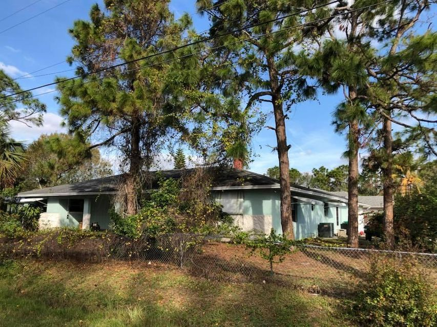 Single Family Home for Sale at 6109 Seagrape Drive 6109 Seagrape Drive Fort Pierce, Florida 34982 United States