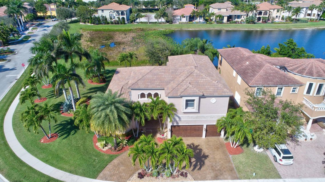 8941 Club Estates Way  Lake Worth, FL 33467