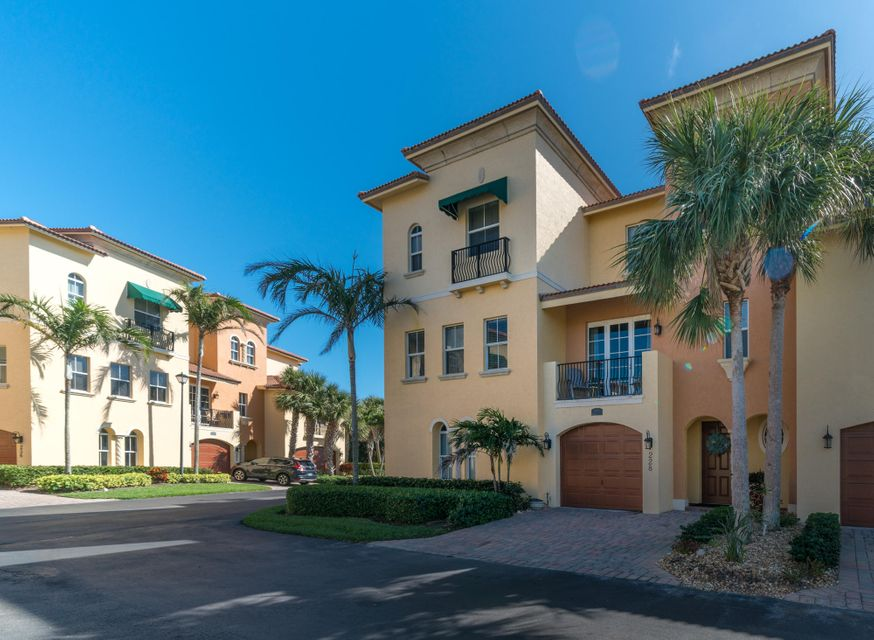 Townhouse for Sale at 228 Ocean Bay Drive 228 Ocean Bay Drive Jensen Beach, Florida 34957 United States