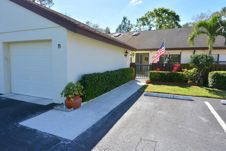Condominio por un Venta en 2054 SW Silver Pine Way # 123-B 2054 SW Silver Pine Way # 123-B Palm City, Florida 34990 Estados Unidos