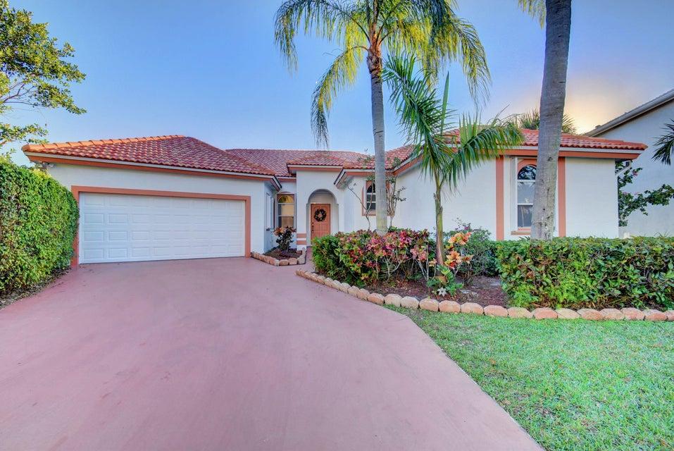 独户住宅 为 销售 在 10810 Haydn Drive 10810 Haydn Drive 博卡拉顿, 佛罗里达州 33498 美国