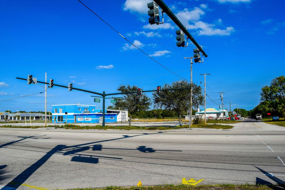 Commercial for Sale at 3500 S Us Highway 1 3500 S Us Highway 1 Fort Pierce, Florida 34950 United States