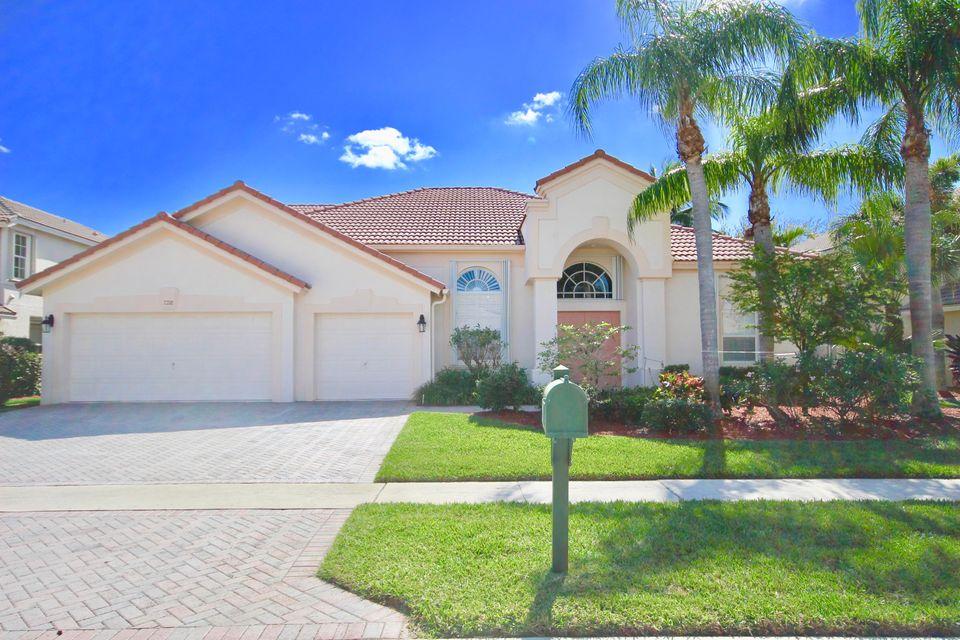 Home for sale in Bristol Lakes / NO Mandatory Membership Required, All Ages Welcome. NO HOPA in This Community Boynton Beach Florida