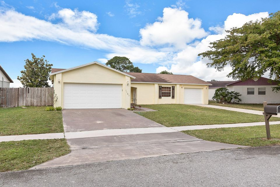 1157 Grand Duke Way Royal Palm Beach, FL 33411 small photo 3