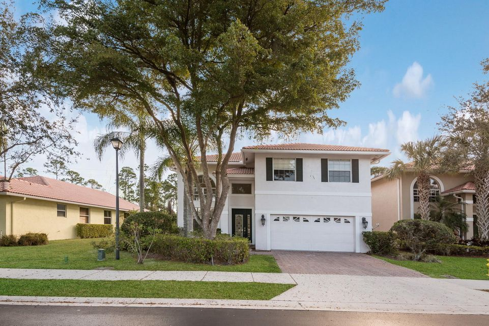 106 Hidden Hollow Drive , Palm Beach Gardens FL 33418 is listed for sale as MLS Listing RX-10404884 41 photos