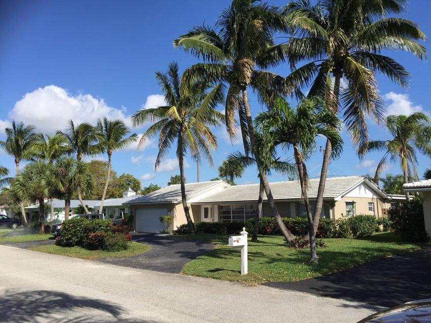 1242 N Harbor Dr, Singer Island, FL 33404
