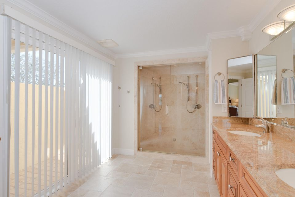 Additional photo for property listing at 907 SW 38th Court 907 SW 38th Court Boynton Beach, Florida 33435 United States