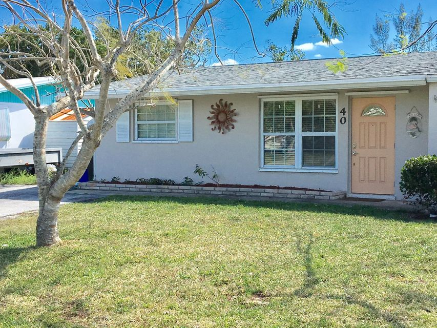 Villa for Sale at 40 SW Hideaway Place 40 SW Hideaway Place Stuart, Florida 34994 United States