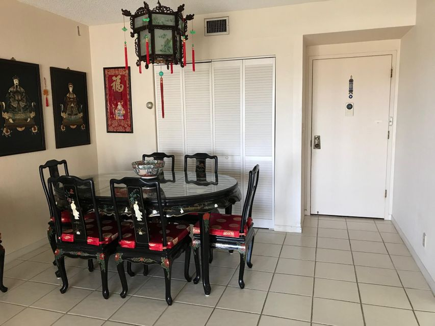 Condominium for Sale at 4330 Hillcrest Drive # 917 4330 Hillcrest Drive # 917 Hollywood, Florida 33021 United States