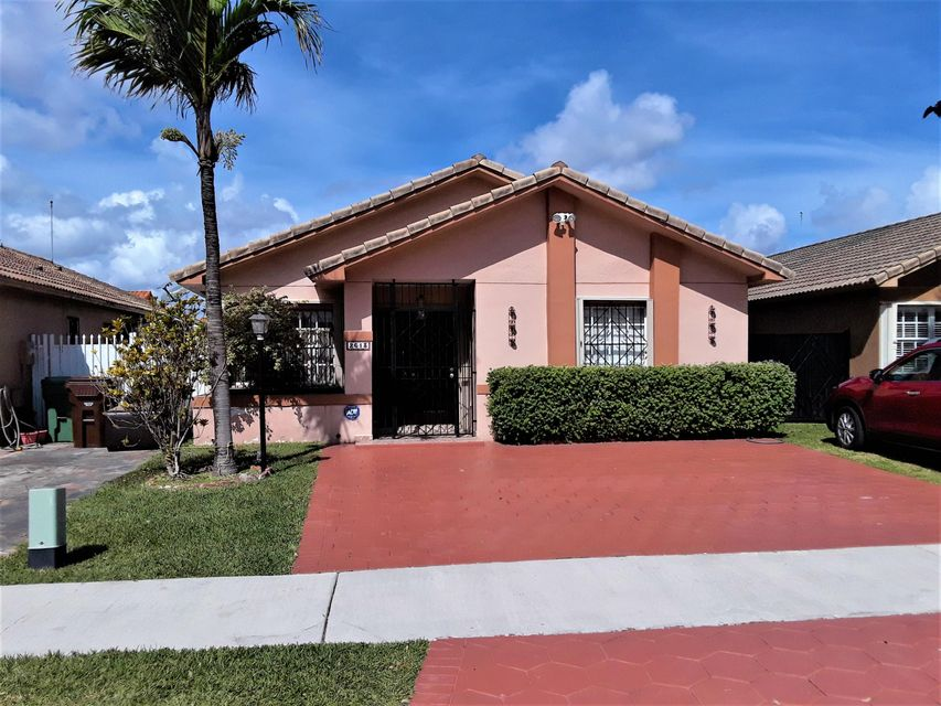 Single Family Home for Sale at 2613 W 72nd Place 2613 W 72nd Place Hialeah, Florida 33016 United States