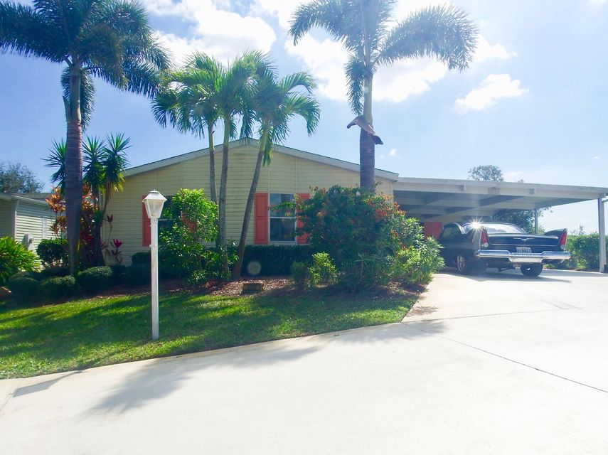 8133 9th Hole Drive , Port Saint Lucie FL 34952 is listed for sale as MLS Listing RX-10407025 16 photos