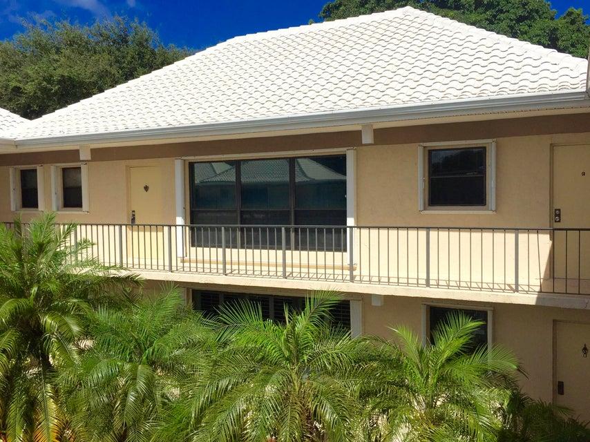 1 Turtle Creek Drive E,Tequesta,Florida 33469,3 Bedrooms Bedrooms,2.1 BathroomsBathrooms,A,Turtle Creek,RX-10407123