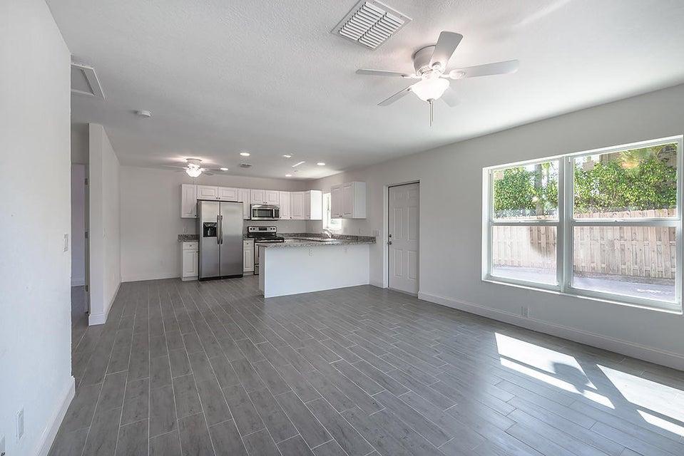 Duplex / Multiplex for Rent at 1408 Florida Avenue # Unit B 1408 Florida Avenue # Unit B West Palm Beach, Florida 33401 United States