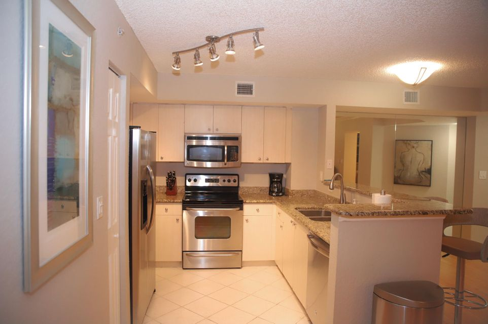 Condominium for Rent at 1801 N Flagler Drive # 217 1801 N Flagler Drive # 217 West Palm Beach, Florida 33407 United States
