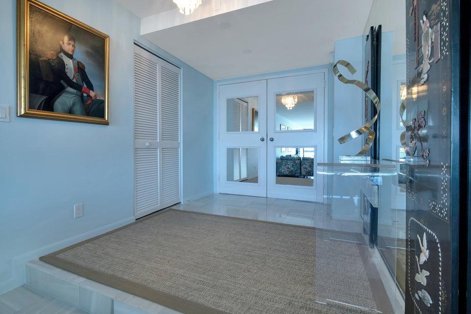 1900 Consulate Place 1004 West Palm Beach, FL 33401 photo 10