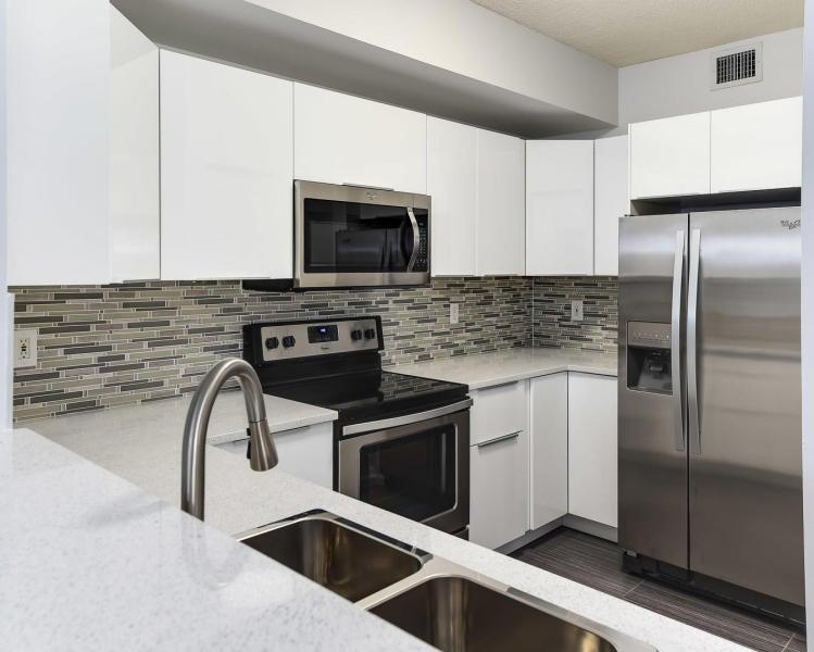 Condominium for Rent at 630 S Sapodilla Avenue # 515 630 S Sapodilla Avenue # 515 West Palm Beach, Florida 33401 United States