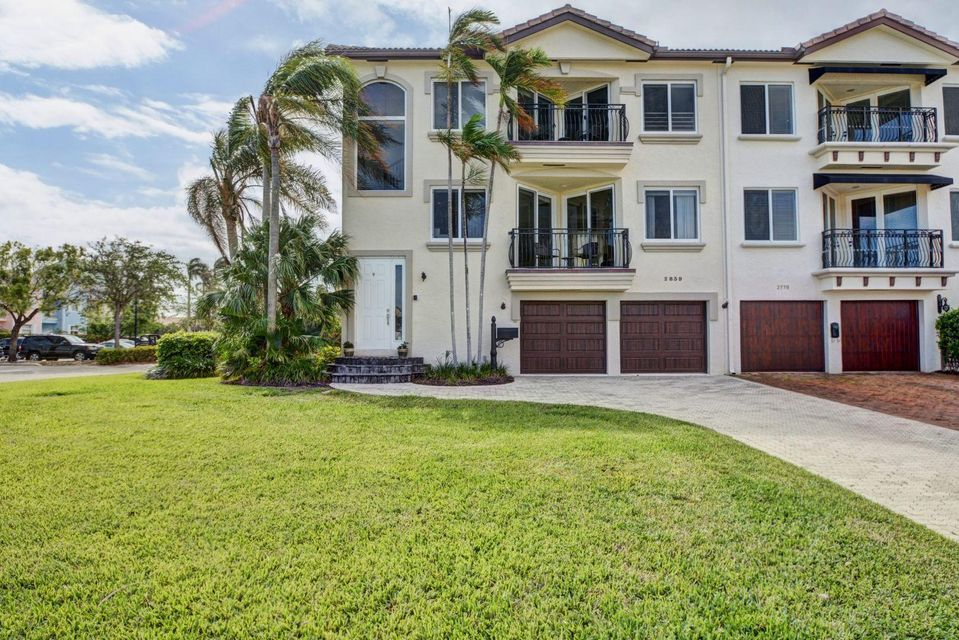 2839 NE 28th Avenue - Lighthouse Point, Florida