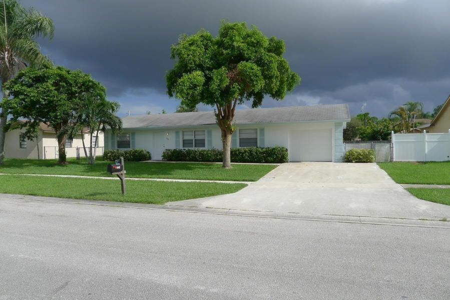 139 Eider Court Royal Palm Beach, FL 33411 photo 2