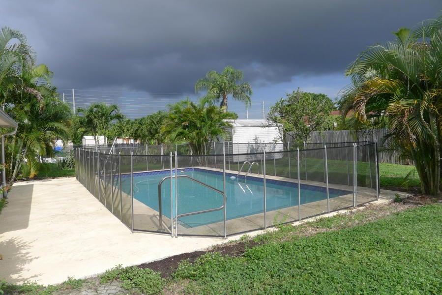 139 Eider Court Royal Palm Beach, FL 33411 photo 3